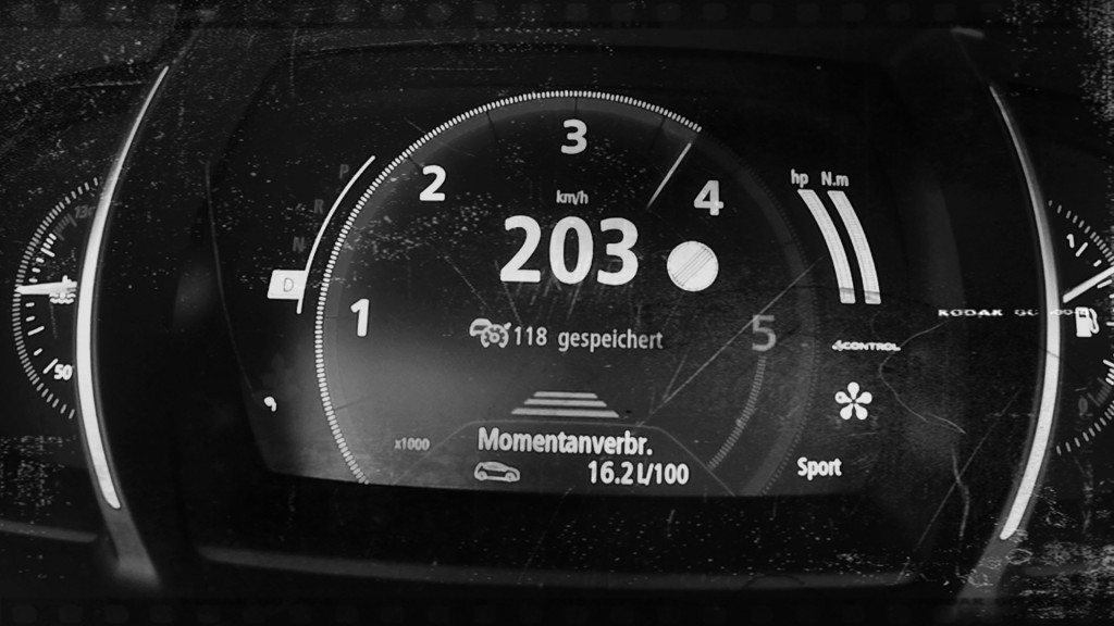 renault-talisman-estate-160-dci-runs-out-of-puff-at-200-km-h-but-looks-good-111677_1